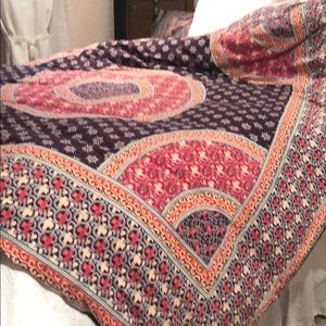 Anthropologie queen Duvet cover with shams